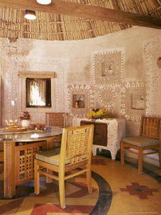 artnlight: The mud mirror homes of Gujarat
