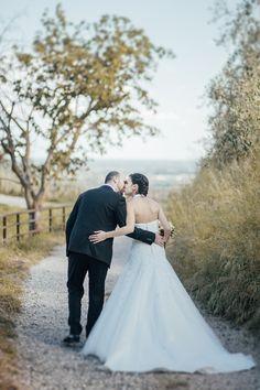 Weddings | anna karma photographer  #bride #groom #love #kiss #location #nature #street #tree #sunnyday #sun #sunset #couple #wedding #marry #happy #whitedress #brunette #girl #man #woman #photos #portraits #hug #place #marostica #veneto #italy #photographer #weddingphotographer #italianphotographer #venice