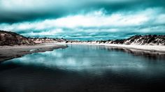 Стоковое фото - голубое озеро