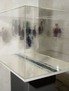 Ulrike Bolenz - Start  use of the glass - makes me think of using glass box for containing the water