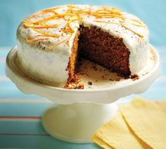 Best ever carrot cake recipe. Tastes great with Coffee. No Bake Desserts, Delicious Desserts, Dessert Recipes, Classic Carrot Cake Recipe, Cake Recept, Sweet Bakery, Easy Baking Recipes, Happy Foods, Cupcake Cakes