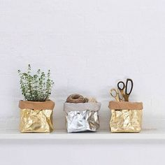 Have you heard of UASHMAMA? Sewn in a small Tuscan cottage, these washable paper bags look and feel like leather. FIND IT HERE: UASHMAMA Large Indoor Plants, Tree Base, Paper Table, Metallic Paper, Metallic Bags, Plastic Trays, Herb Pots, Desk Accessories, Xmas Tree