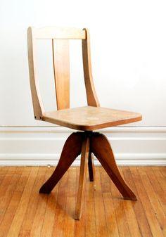 Chpt 21: Chicago School: wooden desk chair