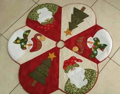 Patchwork Navidad Ideas Manualidades New Ideas Christmas Applique, Christmas Sewing, Felt Christmas, Christmas Projects, Holiday Crafts, Christmas Time, Christmas Stockings, Christmas Ornaments, Xmas Tree Skirts