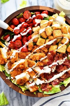 Crispy Chicken BLT Salad is loaded with chicken tenders, lots of chopped bacon, cherry tomatoes and croutons over a bed of romaine lettuce. Serve it with your favorite dressing for one amazing salad! Blt Recipes, Chicken Recipes, Dinner Recipes, Cooking Recipes, Healthy Recipes, Budget Recipes, Weekly Recipes, Weekly Menu, Budget Meals