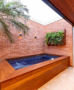 Swimming pools are places where people love to relax in and by. The different swimming pools that you will find … Small Backyard Pools, Backyard Pool Designs, Natural Swimming Pools, Small Pools, Swimming Pools Backyard, Backyard Landscaping, Natural Pools, Lap Pools, Indoor Pools
