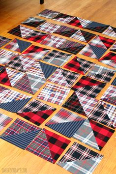 How to turn upcycled flannel shirts into a cozy quilt - Swoodson Says Flannel Quilts, Plaid Quilt, Flannel Shirt, Shirt Quilts, Denim Quilts, Quilting Projects, Quilting Designs, Sewing Projects, Quilting Tips