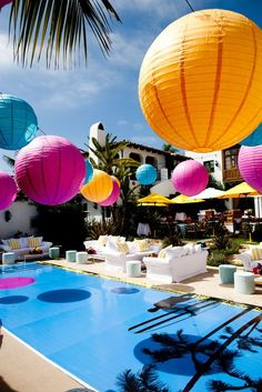 Colorful paper lanterns for an amazing pool party!