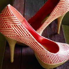"""❗️Bamboo • Platform Pumps • Red & Cream Showstopper platform pumps!  A true size 8 in good used condition. Red and cream basketweave pattern, round toe, golden insole, red lining. Some wear to one heel, as photographed, and reflected by the amazing price! 5"""" heel and 1.25"""" platform. Super sexy!! Lowest price unless bundled. Take advantage of a 15% discount when you bundle 2+ items, plus you save on shipping! ❤️ Bamboo Shoes Platforms"""