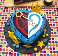 Kingdom Hearts Cake as soon as i saw this i couldnt breath!!!!! its just so awsome!!!!