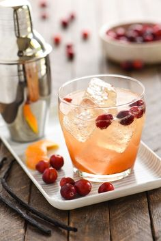 Cranberry Vanilla Gin Spritzer // Follow @DYTWeddingBlog for more!