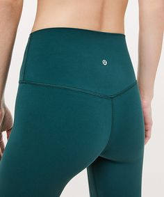 Designed to minimize distractions and maximize comfort, these lightweight pants give you full freedom to move. The high rise covers your core, lies smooth under tops, and won't dig in. Cute Workout Outfits, Cute Outfits, Dance Outfits, Sport Outfits, Athletic Outfits, Athletic Clothes, Athletic Wear, Lululemon Align Pant, Cute Pants