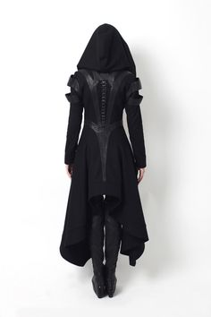 This is an article about dystopian fashion, or post-apocalyptic fashion, and the prominent dystopian designers. It's related to alternative gothic fashion. Mode Steampunk, Steampunk Fashion, Dark Fashion, Gothic Fashion, Vampire Fashion, Urban Fashion, Looks Cool, Mode Inspiration, Design Inspiration