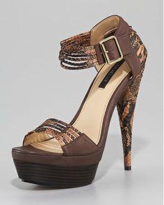 Compras de lujo: sandalias
