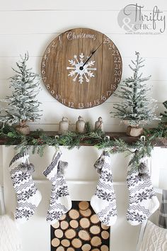 DIY wood clock christmas advent calendar! Easy and simple project!