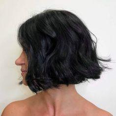19 Best Bob Haircuts for Thick Hair to Feel Lighter Cute Bob Haircuts, Bob Hairstyles With Bangs, Haircut For Thick Hair, Short Hair With Bangs, Latest Hairstyles, Easy Hairstyles, Short Hair Styles, Balayage Highlights, Fine Hair