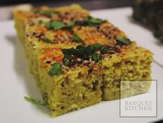 #Dhokra or #Dhokla you choose! Nothing is more comforting biting into a warm spongy dhokla with the pop of #dryroasted #mustardseed ... Especially when its cold out! #banquetkitchenmagic #gujarati #delisious #food # eventcatering #catering #Indian #wedding