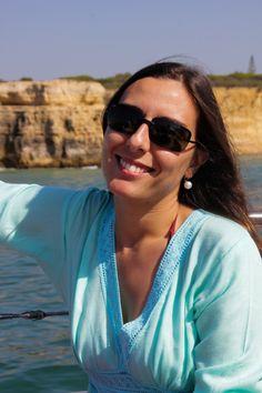 Olá! Eu sou a Cátia, sou de Reguengos de Monsaraz e podes ficar a conhecer-me melhor. Fiz um video que podes ver no meu blog: http://blog.catiaeluis.com/blog/conhece-a-c%C3%A1tia
