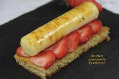 Crème brûlée, carpaccio de fraises et biscuit thym/citron