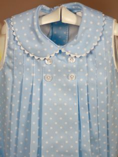 Pelele azul topos blancos con capota de Bebe | Les Bébés Idea para vestido niña
