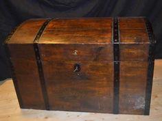 Massivholz Truhe 18. Jahrhundert von Pepita Antik Vintage Shop auf DaWanda.com