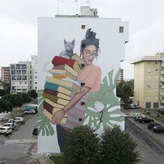 Bookworm, Artez street art in Lecce, Italy streetart 3d Street Art, Murals Street Art, Amazing Street Art, Art Mural, Street Artists, Graffiti Art, Urban Graffiti, City Art, Yarn Bombing