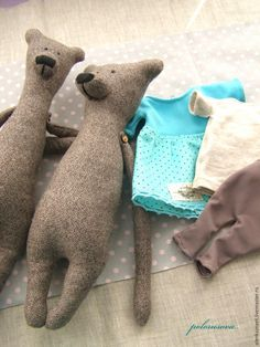Sewing Pattern and Photo Tutorial for Teddy Bear. This is a bit more difficult, but do-able! Handmade Stuffed Animals, Sewing Stuffed Animals, Stuffed Animal Patterns, Plush Dolls, Doll Toys, Handmade Soft Toys, Fabric Animals, Fabric Toys, Bear Doll
