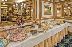 Ausgiebig frühstücken im Hotel Scherer Salzburg, Restaurant Bar, Table Settings, Restaurants, Table Top Decorations, Place Settings, Tablescapes, Desk Layout