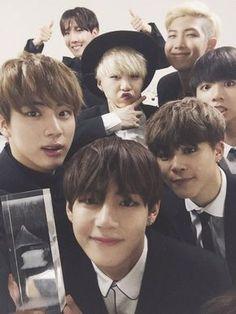 BTS' Group Selca Selected as the Golden Tweet by Twitter Korea
