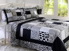 Patchwork colchas casal 59 Ideas for 2019 Zebra Bedding, Ruffle Bedding, Bedding Sets, Patchwork Chair, Patchwork Tiles, Bed Cover Design, Black And White Quilts, Place Mats Quilted, Man Quilt