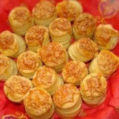 Pihe-puha pogácsa -Sajtos pogácsa 11. Sprouts, Cucumber, Biscuits, Muffin, Vegetables, Breakfast, Recipes, Food, Google