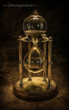 Beautiful Picture Of Sand Clock Sand Hourglass, Hourglass Fashion, Hourglass Style, Sand Timers, Mantel Clocks, Steampunk Design, Home Art, Glass Art, Instruments