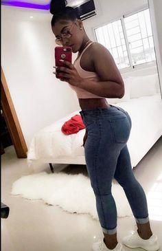 Black booty selfies