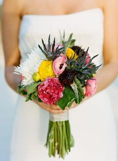 Florals by Tracy Rassett of Violet Crown Designs  #beesdesigns @bees_designs #weddinginspiration