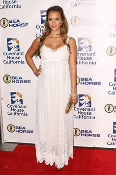 jessica alba pregnant style. Beautiful white maxi dress