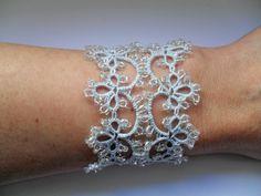 Bracelet dentelle bleu , bijou de main dentelle bleu , bracelet tatting , bracelet dentelle frivolite, bijoux fait mains : Bracelet par carmentatting
