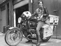 "Elspeth Beard, shortly after becoming first Englishwoman to circumnavigate the world by motorcycle. The journey took 3 years and covered miles. 50 Classy People From The Past Who Remind Us What ""Cool"" Really Means! Cafe Racer Girl, Paul Mccartney, Inazuma Cafe Racer, R65, Moto Cafe, Classy People, Classy Women, Motorcycle Camping, Motorcycle Girls"