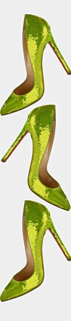 Christian Louboutin OFF! Green Fashion, Colorful Fashion, Lime Punch, Green Pumps, Christian Louboutin Outlet, Pump It Up, Classic Pumps, Spring Green, Love And Light