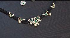 Gold Temple Jewellery, Gold Jewellery Design, Gold Jewelry, Jewelery, Gold Necklace Simple, Simple Jewelry, Pearl Necklace Designs, Black Rope, Black Thread