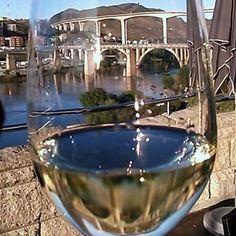 Um Brinde ao Douro e à  Mais Bela Corrida do Mundo ... #searadordens #carqueijal #vinhosdeportugal #douro #dourolovers #Ilovedouro #wine #wineturism #winelover #winemoments #portugal #portugalwineroom #prazeresdamesa #instawine #quintasearadordens #dourowines #Ilovedouro by lebresmoreira_2
