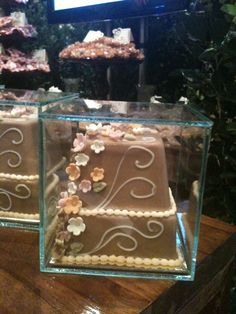Wedding favor - mini chocolate wedding cake
