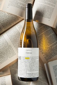 Wine Llavors Blanc su Packaging of the World – Galleria di Creative Package Design - Ideas Debebidas Wine Bottle Design, Wine Label Design, Wine Bottle Labels, Liquor Bottles, Wine Searcher, Wine Photography, Wine Brands, Bottle Packaging, In Vino Veritas