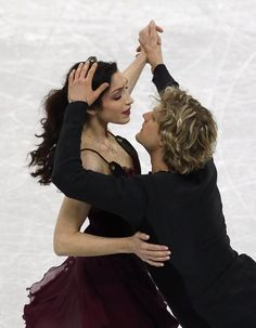 """- Davis/White chase perfection dancing on ice to win fifth national title. (""""Notre Dame de Paris"""", one of my favorite of their Free Dances) Virtue And Moir, Tessa Virtue Scott Moir, Meryl Davis, Ice Skaters, Ice Dance, Sports Figures, Team Usa, Winter Olympics, Dancing With The Stars"""
