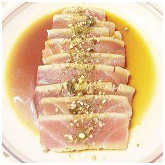 #tunatataki #tuna #tataki #seared #japanese #raw #miso #soysauce #seaweed #appetizer #food #foodporn #instafood #dinner #cooking #delicious #instagram #foodstagram #eat #foodie by eat.pray.cook