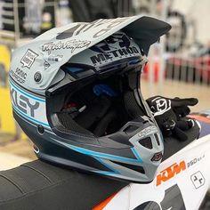 Troy Lee Designs 2019 SE4 Polyacrylite Offroad MIPS Helmet Factory Ocean