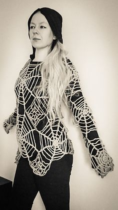 Ravelry: The Black Widow - Spider Web Tunic pattern by Annina Päivärinta