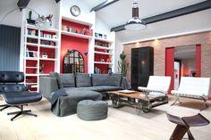 Design, voilà un living-room tendance, associant pièces chinées et pièces de grands créateurs pour un style industriel très tendance