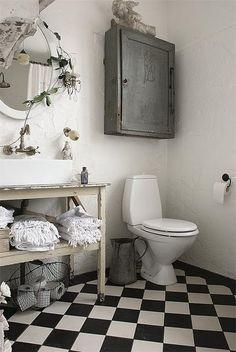como el baño de Tia Ada..........:)