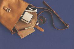 Como Montar uma Fábrica de Bolsas de Couro  http://www.engetecno.com.br/port/proj.php?projeto=fabrica-de-bolsas-de-couro-para-200-unidades-por-dia  Como Montar uma Fábrica de Bolsas de Couro Como Montar uma Fábrica de Bolsas Como Montar uma Mini Fábrica de Bolsas Como Montar uma Pequena Fábrica de Bolsas Como Montar uma Fábrica de Bolsas de Tecido, Como Montar uma Fábrica de Bolsas Femininas em Couro  ENGETECNO: 35. 3721.1488 http://www.engetecno.com.br/