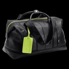MINI by Puma Weekender Bag: Perfekt fürs Wochenende oder, dank Vergrößerungsfunktion, auch für längere Trips geeignet. Mit MINI Wing Logo aus Metall auf der Vorderseite.